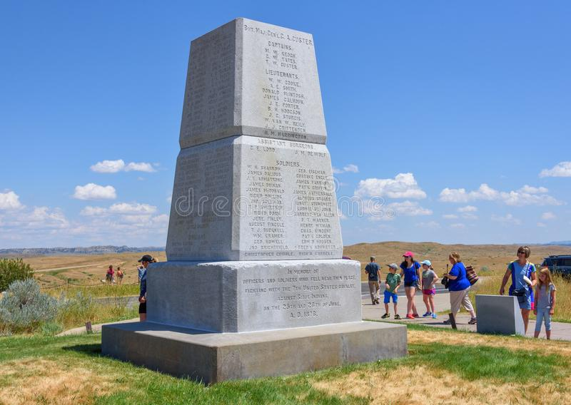 Monument national de champ de bataille de Little Bighorn, MONTANA, Etats-Unis - 18 juillet 2017 : Touristes visitant le monument  photos libres de droits