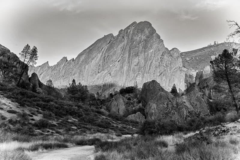 Monument national de sommets en Californie, Etats-Unis photos stock