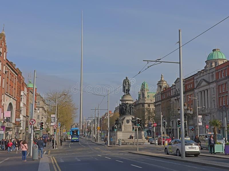 Monument och tornspira f?r Daniel nolla-?connel i Dublin royaltyfri fotografi