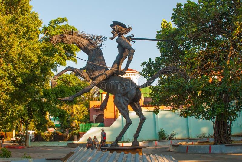 Monument om Don Quichot Havana op groene achtergrond, Havana, Cuba aan te trekken royalty-vrije stock foto