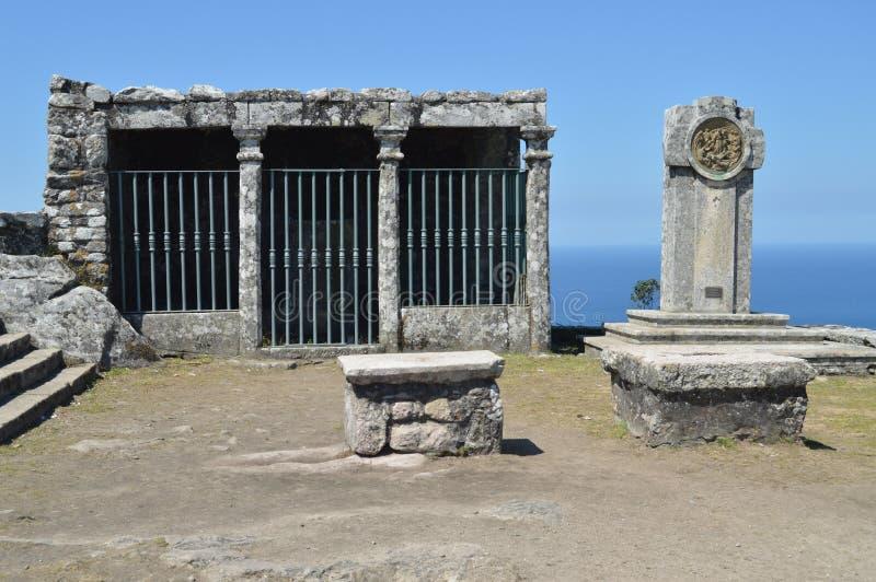 Monument på monteringen av calvaryen av Santa Tecla In The Guard Arkitektur historia, lopp Augusti 15, 2014 La Guardia, royaltyfri foto
