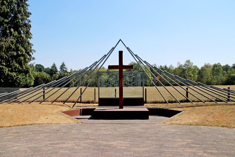 Monument på Woesten Hoeve i Hoenderloo, Nederländerna royaltyfri foto