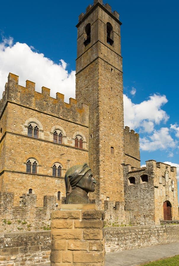 Monument public de Poppi Castle en Toscane image libre de droits