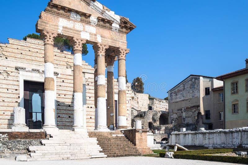Monument romain Capitolium de colonnade de Brixia photo libre de droits