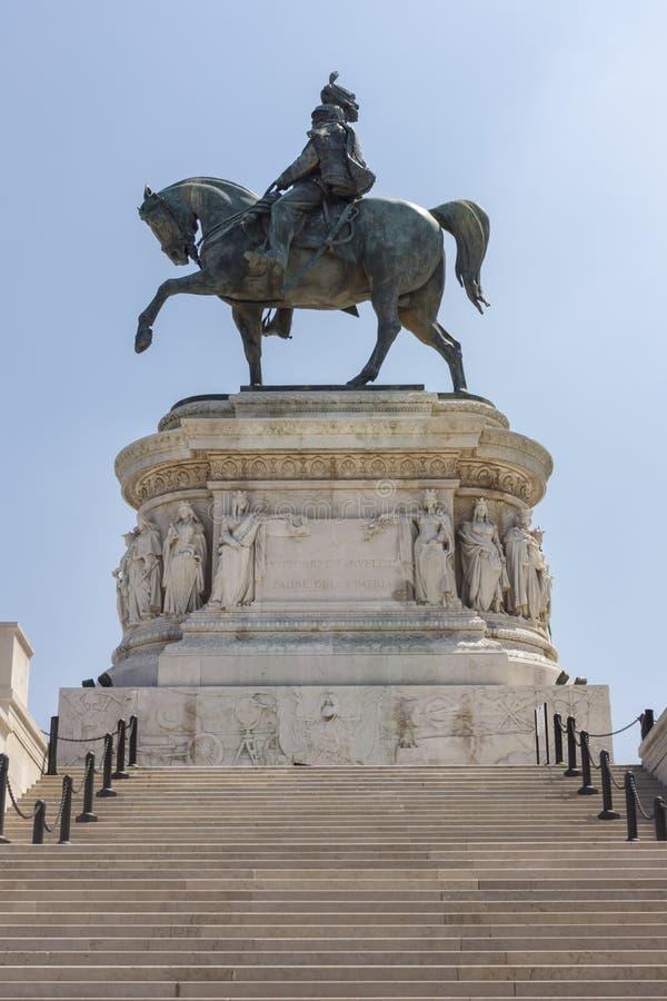 Monument som är hängiven till den Vittorio Emanuele II konungen av Italien arkivfoto
