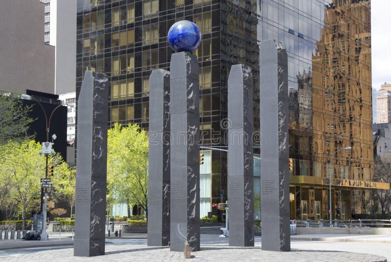 Monument som är hängiven till Raoul Wallenberg i Manhattan royaltyfria bilder