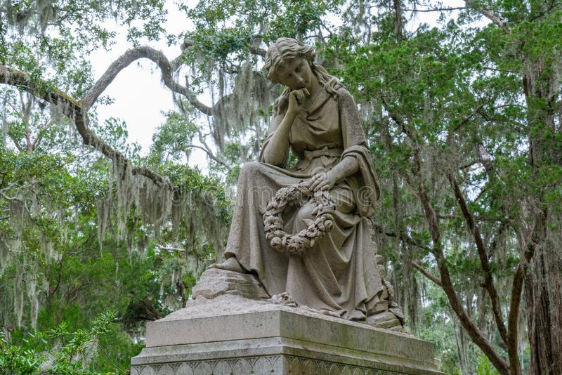Monument sur la tombe en Bonaventure Cemetery photo libre de droits