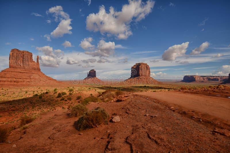 Monument-Tal Buttes im Südwesten Vereinigte Staaten stockfoto
