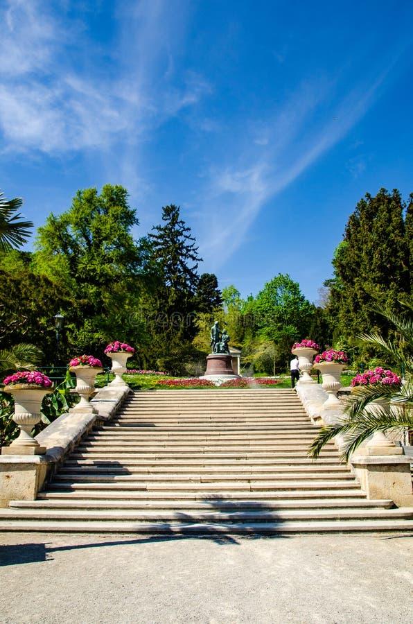 Monument till de stora österrikiska kompositörerna Lanner och Strauss i Baden nära Wien _ royaltyfri fotografi
