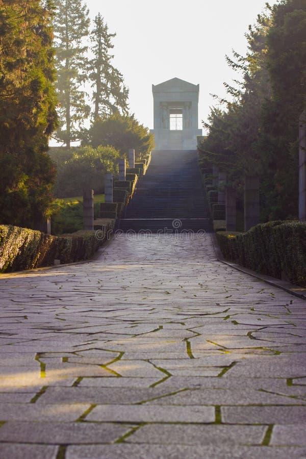 Monument till den okända hjälten Serbien royaltyfri fotografi