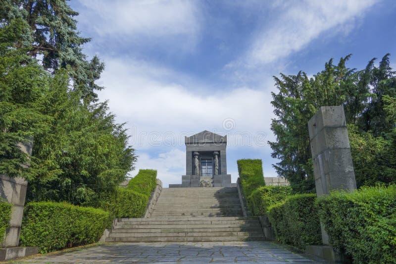 Monument till den okända hjälten Serbien Turist soldat royaltyfria bilder