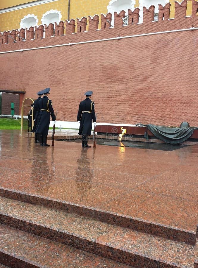 Monument till den okända soldaten i Moskva royaltyfria foton