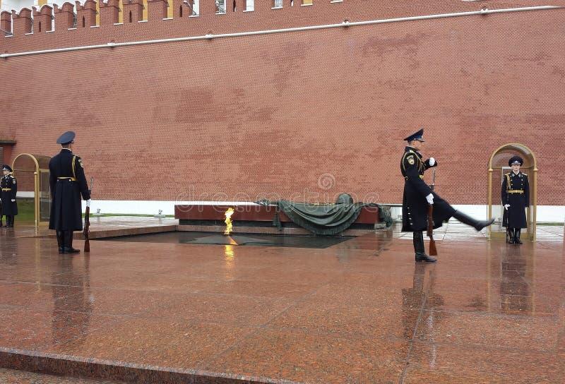 Monument till den okända soldaten i Moskva royaltyfri bild
