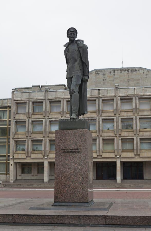 Monument till Felix Dzerzhinsky i St Petersburg arkivbild