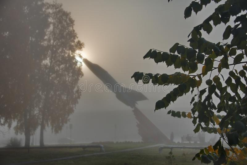 Monument till flygplanet för kämpe MIG-21 arkivfoto