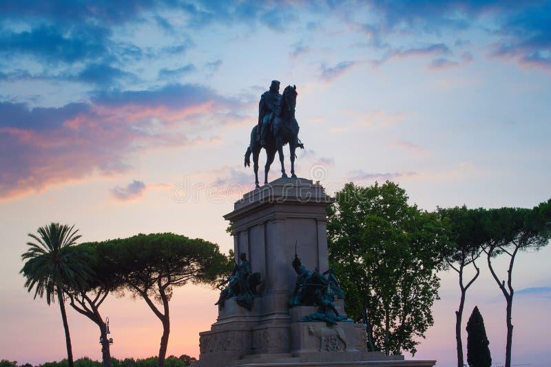 Monument till Garibaldi i Rome royaltyfri foto