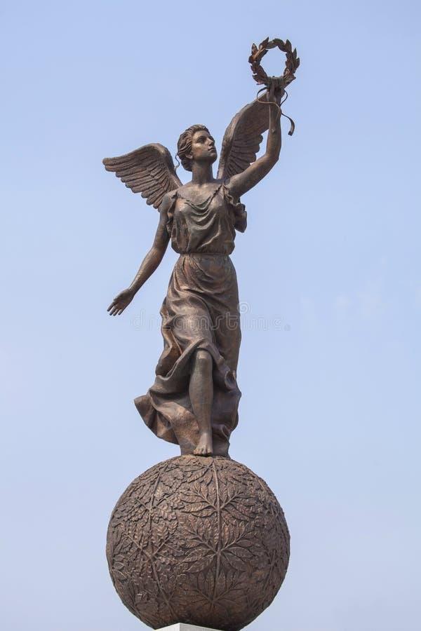 Monument till gudinnan av segern Nike på sfär royaltyfri bild