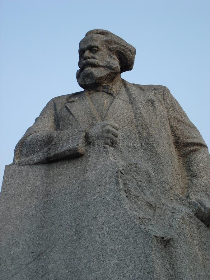 Monument till Karl Marx i Moskva, Ryssland arkivbilder