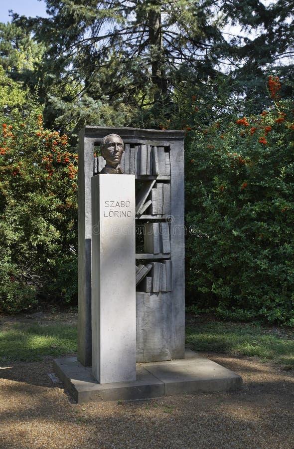 Monument till Lorinc Szabo i Debrecen hungary arkivbild