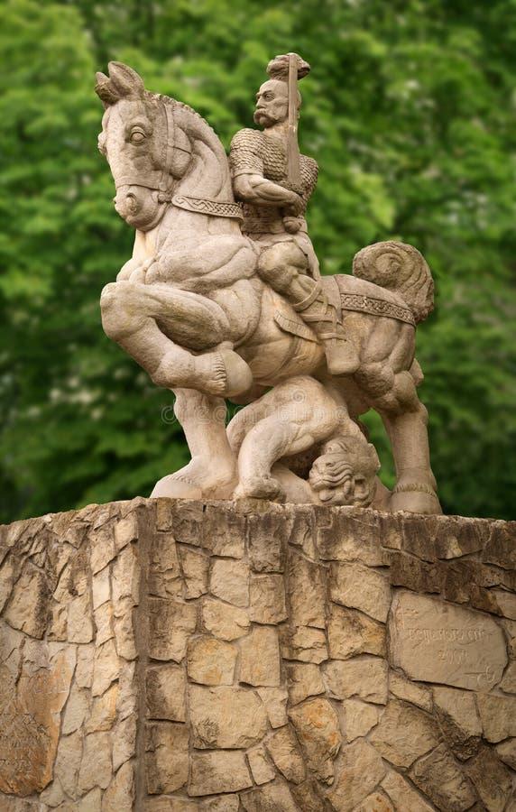 Monument till prinsen Svyatoslav i Kyiv, Ukraina arkivbilder