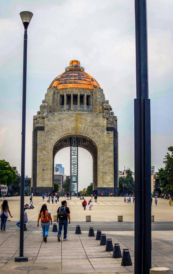 Monument till revolutionen i den México staden royaltyfria foton