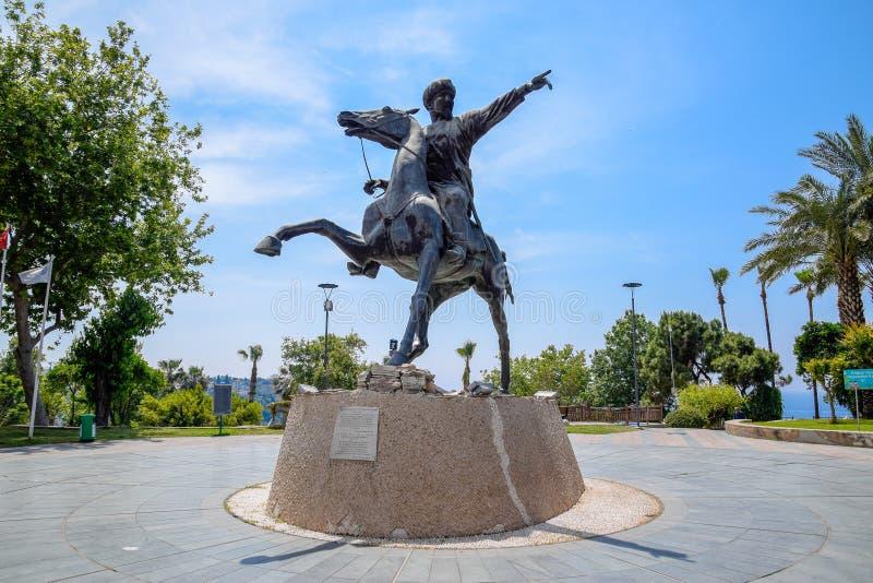 Monument till Sultan Seljuk Sultan på hästrygg Turkiet Antalya arkivbild