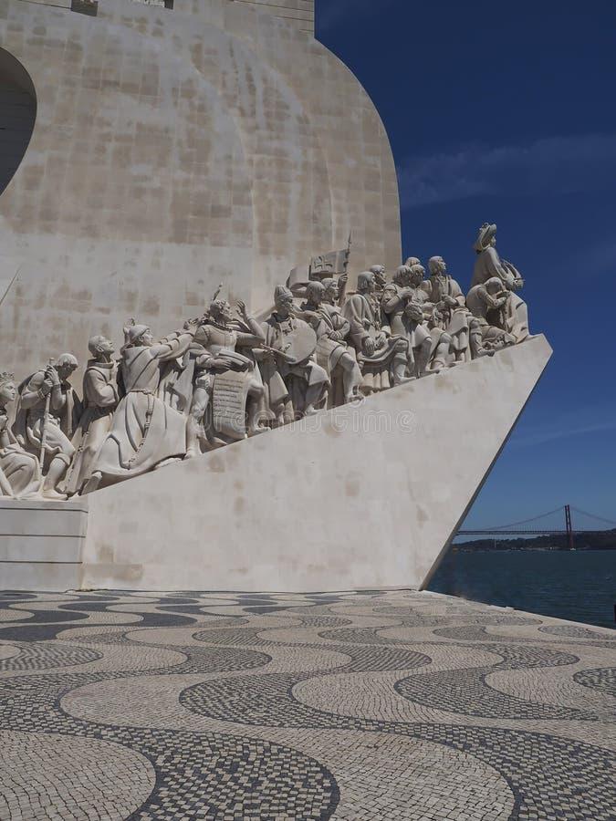 Monument till uppt?ckterna i Lissabon i Portugal royaltyfri foto
