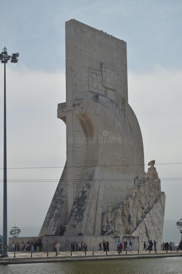 Monument till uppt?cktstatyn till de maritima utforskarna i Belem i Lissabon Natur arkitektur, historia, gatafotografi arkivfoto