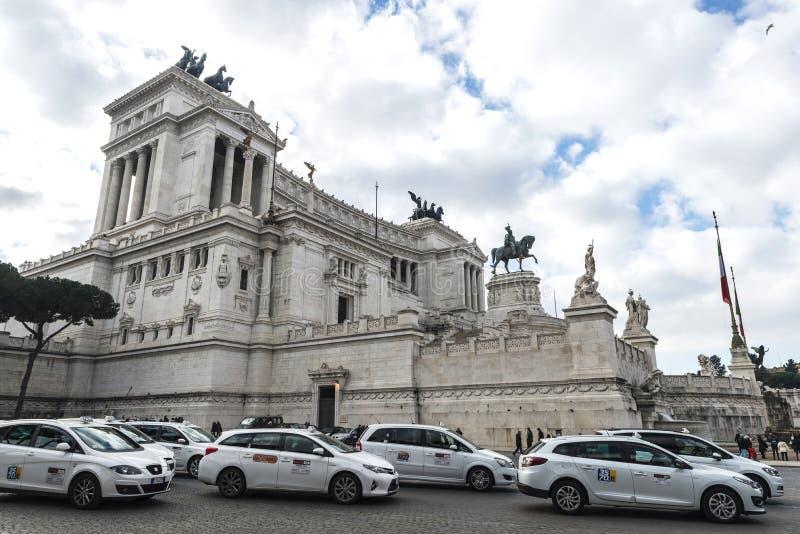 Monument till Vittorio Emanuele II i Rome, Italien royaltyfri bild