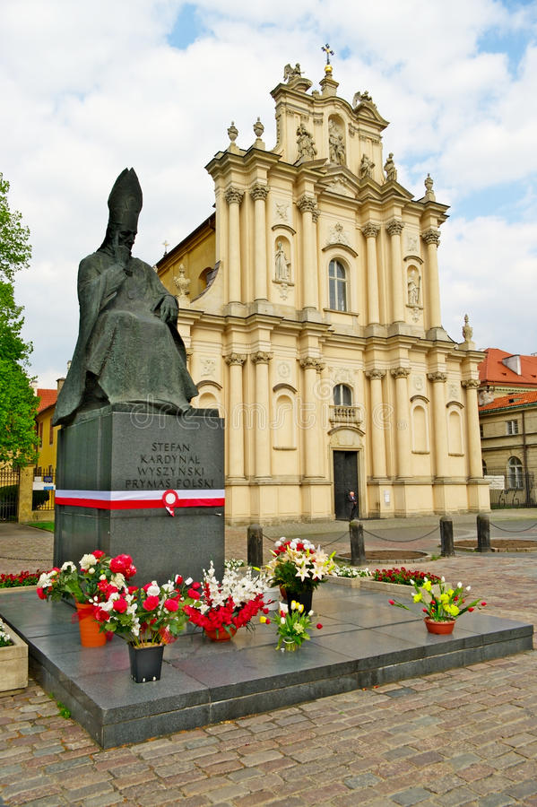 Free Monument To Cardinal Stefan Wyszynski And Rococo Visitationist Church In Warsaw, Poland. Royalty Free Stock Photos - 41390628