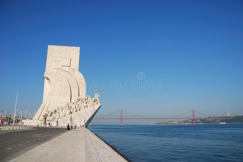 Download Monument To The Discoveries Editorial Photography - Image of sculpture, river: 15213182