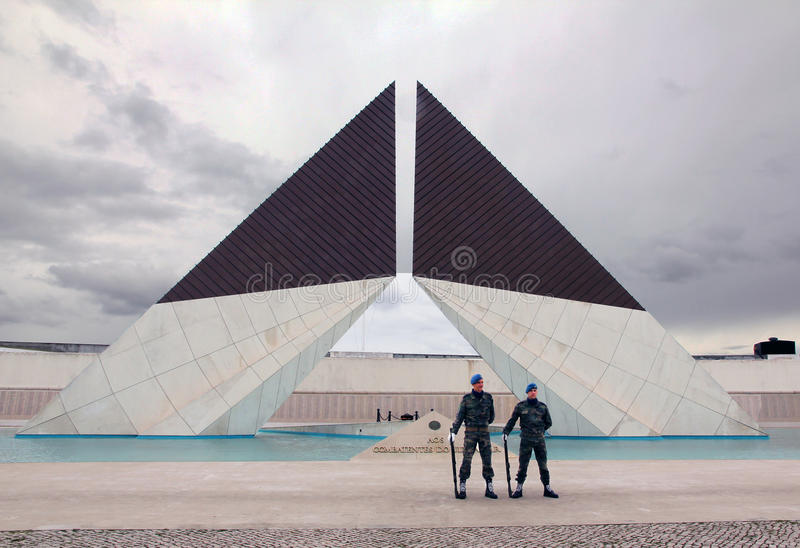 Download Monument to war heroes editorial photo. Image of monument - 18927046