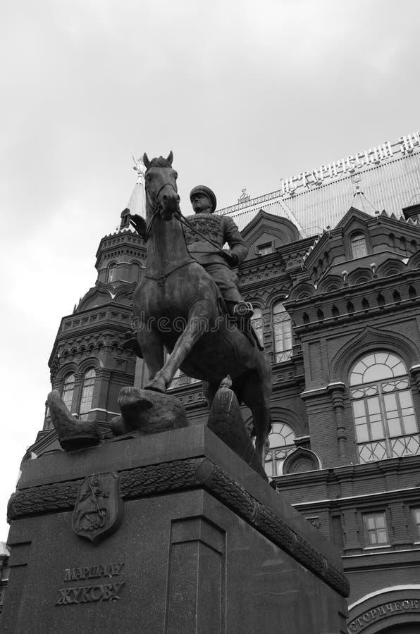 Monument und Museum - Marschall Zhukov Statue lizenzfreie stockbilder