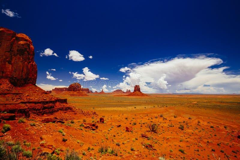 Monument Valley, Navajo Tribal Park, Arizona, USA. Indn Rte 42 in Monument Valley, Navajo Tribal Park, Arizona, USA stock photography