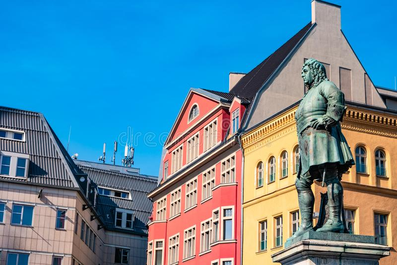 Monument van beroemde Duitse componist George Frideric Handel in Hal stock afbeeldingen