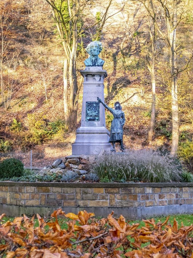 Monument van Giacomo Meyerbeer, een Duitse operacomponist bij Sept. Heures, Kuuroord, België van Parc DE stock fotografie