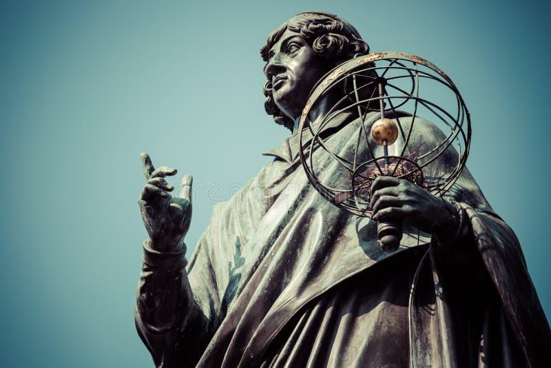 Monument van grote astronoom Nicolaus Copernicus, Torun, Polen royalty-vrije stock afbeeldingen