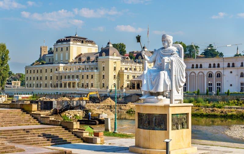 Monument van Justinian I in Skopje stock foto's