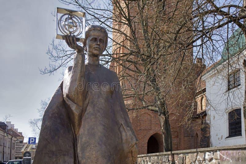 Monument van Poolse fysicus en chemicus, eerste vrouw om een Nobelprijs te winnen - Marie Sklodowska Curie in Warshau stock afbeeldingen