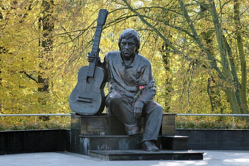 Monument van Vladimir Vysotsky in Kaliningrad, Rusland stock foto's