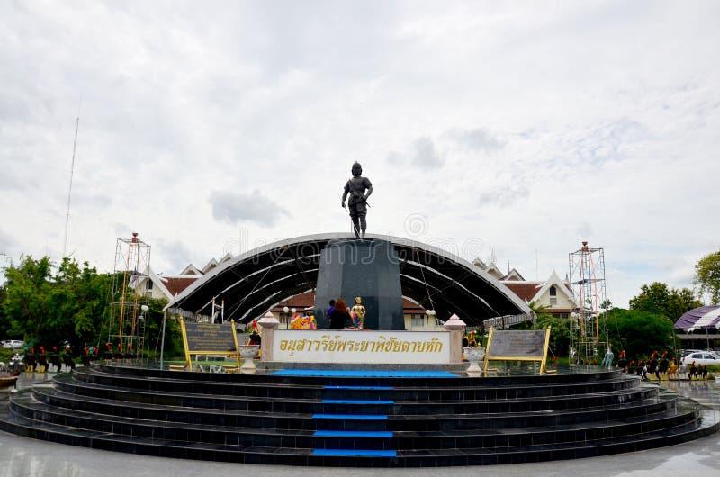 Monument von Phraya Phichai Dap Hak (Phraya Phichai der defekten Klinge) stockbilder