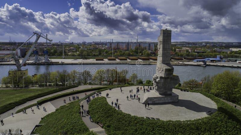 Monument Westerplatte zum Gedenken an polnische Verteidiger von einer Vogelschau lizenzfreie stockfotografie