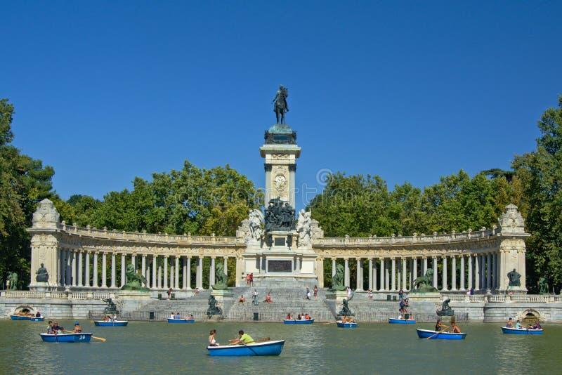 Monument zu Alfonso XII, Madrid lizenzfreies stockbild