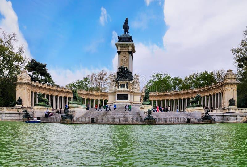 Monument zu Alfonso XII, Retiro Park, Madrid lizenzfreie stockfotografie