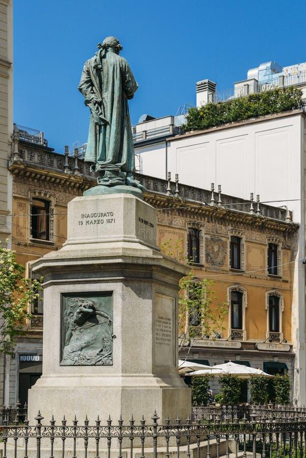 Monument zu Cesare Beccaria Er war italienischer Jurist, Philosoph und Politiker, die Folterung und die Todesstrafe verurteilten stockbilder
