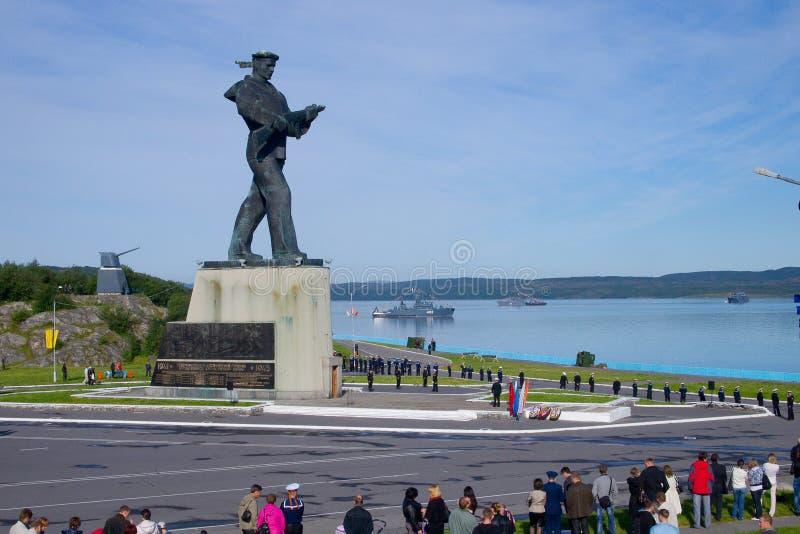 Monument zu den Helden-Severomorsk, Verteidiger des nördlichen Polarkreises Alyosha lizenzfreie stockfotografie