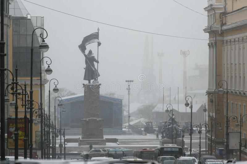Monument zu den Kämpfern für die Befugnis der Sowjets im Fernen Osten im Schnee stockbild