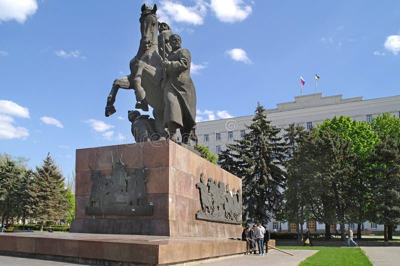 Monument zu den Soldaten der roten Armee stockbilder