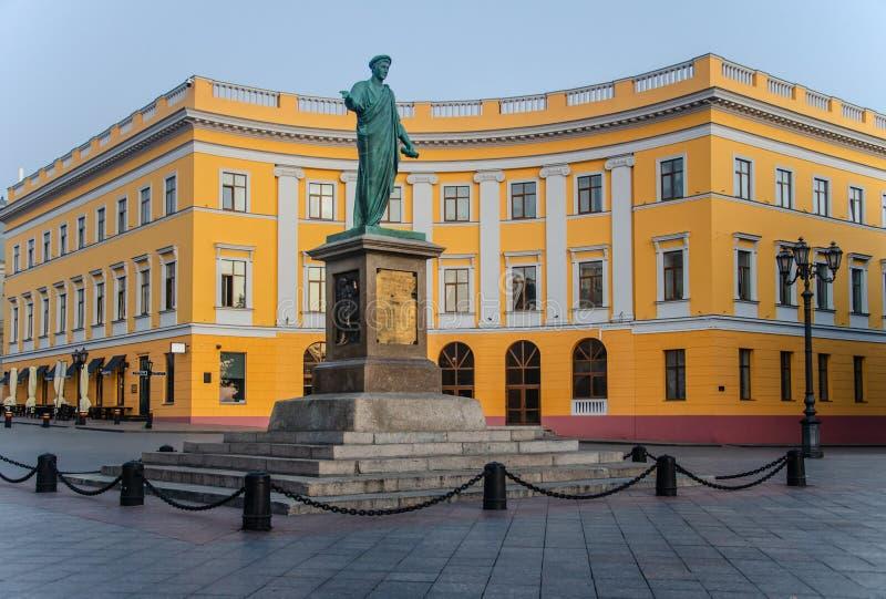 Monument zu Duke de Richelieu in Odessa - ein Bronzemonument im vollen Wachstum stockbilder