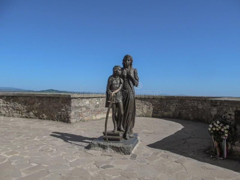 Monument zu Ilona Zrinyi- und Ferenc Rakoczy-Bildhauer Peter Matl an Palanok-Schloss lizenzfreie stockfotos